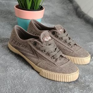 FEIYUE Plain Lovers Sneaker Light Brown Size 37